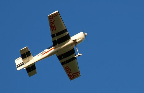 RC_plane_mx2_in_the_air