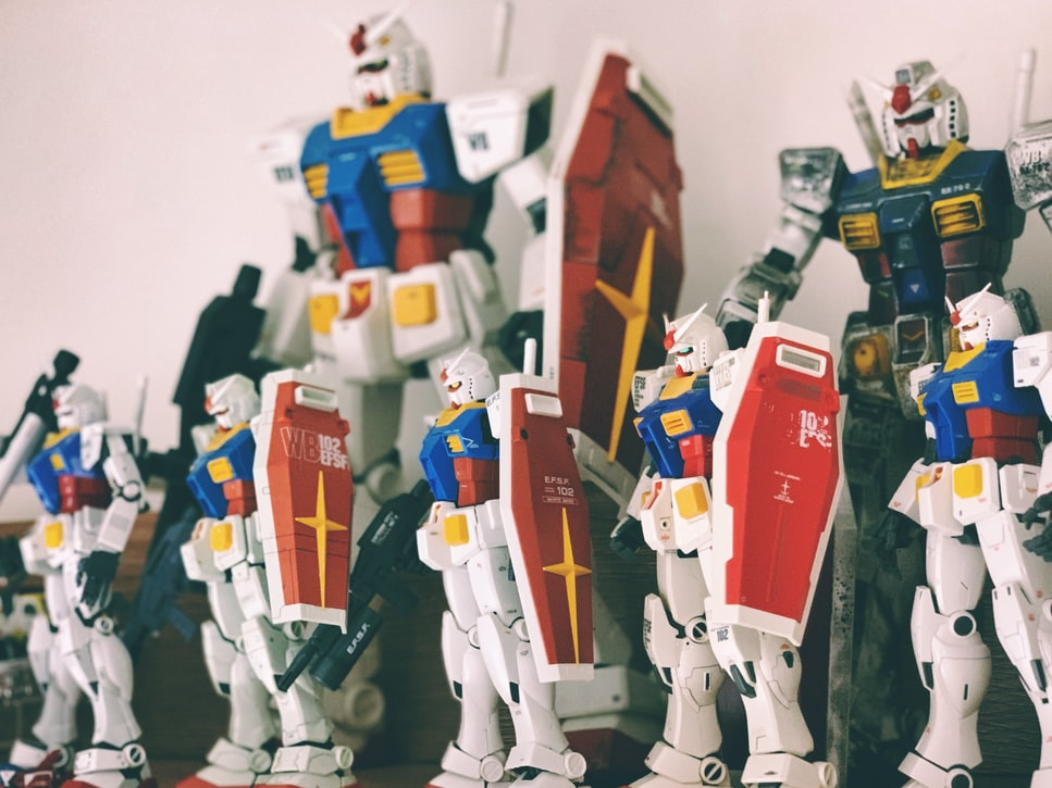 different sizes of robot model kits